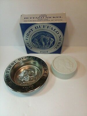 """Vintage Avon """"the First Buffalo Nickel 1913 Soap Dish With Soap Coin""""  Nib"""