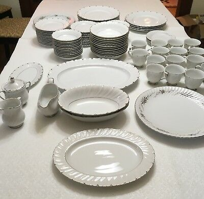 Harmony House Heirloom Fine China 3512 Setting for 12 98 Pc Set & Serving Dishes