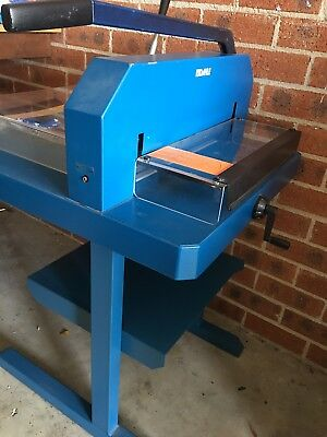 Dahle Heavy-Duty Professional Guillotine Paper Cutter 846 with Stand