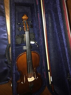 EXCELLENT CONDITION Stentor Student 4/4 Violin Outfit