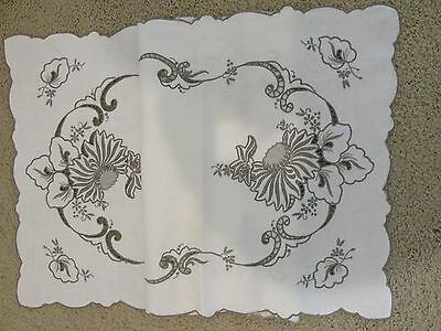 """Vintage Madeira Heavy Embroidered FLORAL LINEN Runner 41"""" x 16"""" Off white Taupe"""