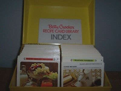 1971 Two Toned Yellow  Betty Crocker Recipe Card Library Box - With Recipes
