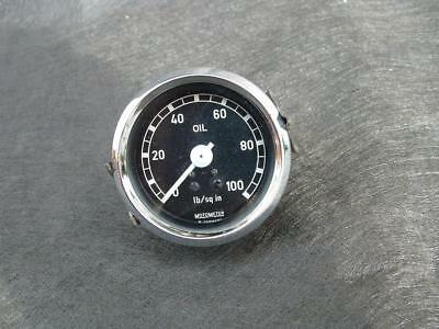 Vintage 1965 Motometer 100psi oil pressure gauge 56mm.dia. rim.