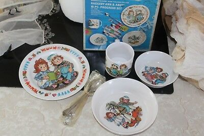Vintage Raggedy Ann & Andy 10-PC progress plate set 1969 by Bobbs Merrrill co.