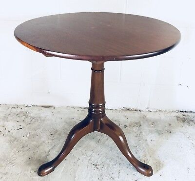 Antique English Mahogany Queen Anne Tilt Top Round Table C.~ late 18th Century