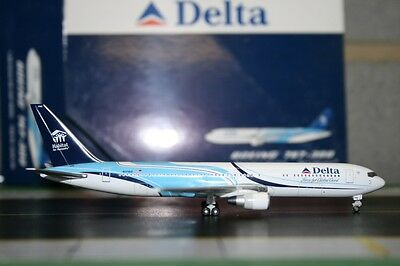 Gemini Jets 1:400 Delta Airlines Boeing 767-300 N171DZ GJDAL784 Model Air-Plane