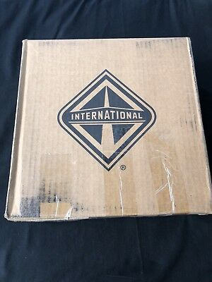 International 3709093C1 Gray Steering Wheel Horn Pad Assembly NEW IN BOX