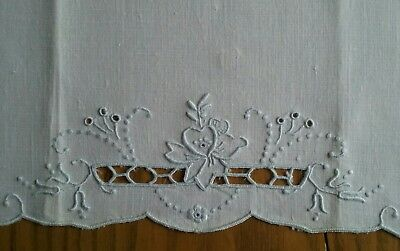 "Vintage 23"" Linen Tea Towel ~ Hand Embroidery & Cut Work"