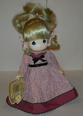 "Precious Moments Dolls Of The World ""carla"" 1994, Original Clothing W/tags!"