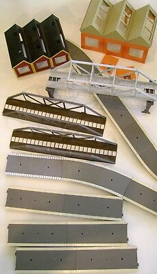 JOBLOT of TRIANG, PLATFORMS - SHEDS & BRIDGES - OO GAUGE