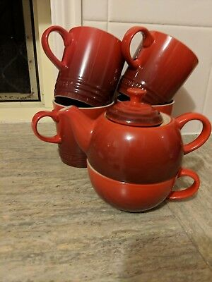Le Creuset Teapot, Coffee Pot & 4 Mugs - Red
