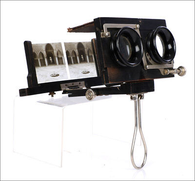 Rare Foldable Stereoscope in its Original Case. France, 1910
