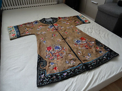 chinesische Seidenstickerei Kimono Mantel, fine old Chinese Silk Embroidery Robe