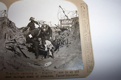 WW1 STEREOVIEW No98 Carrying A BLIGHTY To AID POST THROUGH MAZE Of TRENCHES