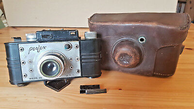 Vintage Camera. PERFEX SPEED CANDID 35mm. With coupled rangefinder.