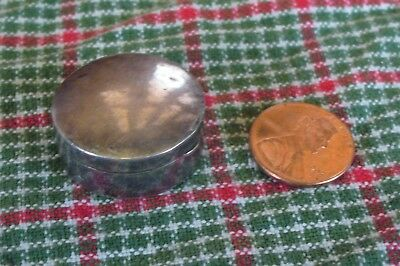 Small vintage  Sterling Silver Pill Snuff Box Round  925 solid silver