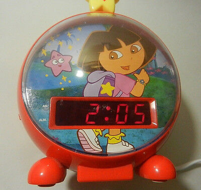 Dora The Explorer Digital Clock AM FM Radio with Alarm Night Light Working EUC