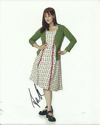 Sara Rue Less Than Perfect In-Person Hand Signed Autographed Photo