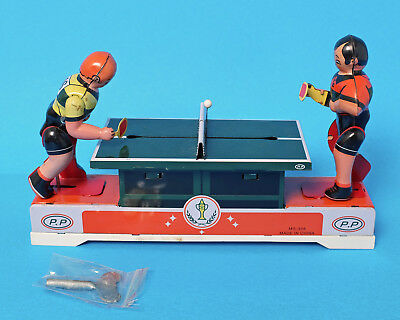 Collectable Retro Clockwork Wind-up Tin Toy Table Tennis Players Ping Pong FUN