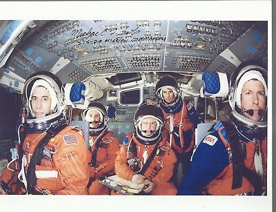 AUTOGRAPH STS-29 TRAINING Photo Signed by STS-29 Astronaut MIKE COATS