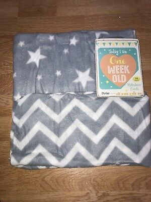 Milestone Cards, 2 Baby Blankets.New Bundle Baby's Shower Gift First Christmas
