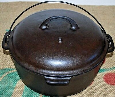 Vintage Unmarked 5 QT Cast Iron Dutch Oven With Raised 8 Lodge Lid Restored
