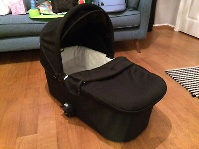 Baby Jogger Deluxe Carrycot in black