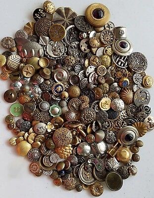 #2R Huge Lot 1.75 LBS Antique Metal Picture Gay 90 Flower Head 275-300 Buttons