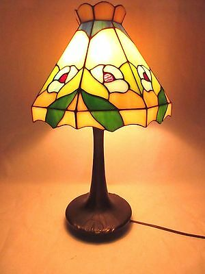 Art Deco Tiffany Style Brass Desk Lamp Flowers Floral Lillies