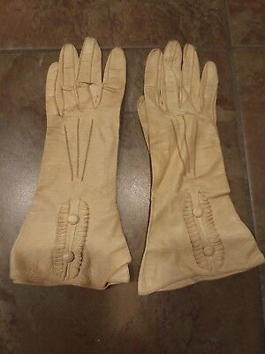 Vintage Victorian Kid Leather Gloves Size : 6 3/4  Made in Czechoslovakia