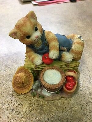"""Calico Kittens """"Feel-ine Fine In The Country"""" Figurine Collectible"""
