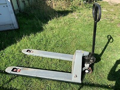 Pallet Truck 3000kg (Choice Of 5) Great Condition
