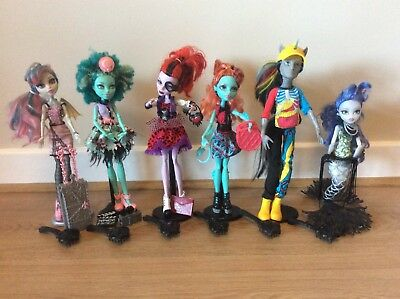 Monster high bundle dolls excellent condition, all with original accessories