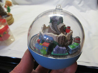 Hallmark Keepsake 1992 Continental Express Train Motion Christmas Ornament
