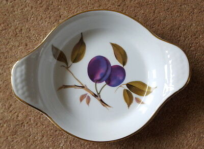 Royal Worcester PORCELAIN DISH size 14.5cm in very good condition
