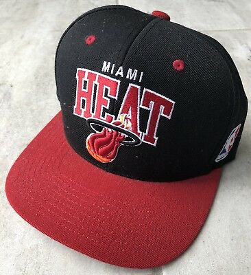 purchase cheap 7ae9a 7d304 Miami Heat Mitchell   Ness Snap Back Hat Cap NBA Hardwood Classics Black    Red