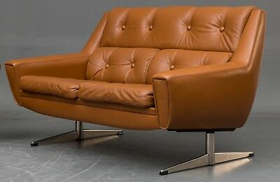 MID CENTURY DANISH  THAMS STYLE 2 SEATER SOFA IN COGNAC LEATHER 1960s