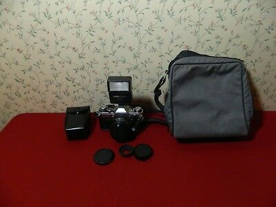 Canon AE-1 Program Film Manual Camera FD 50 mm 1:1.4 Case & Flash