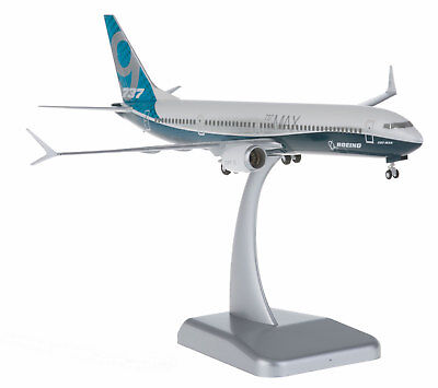 Boeing House Color Boeing 737 MAX 9 1:200 Hogan Wings 10871 B737 Winglets Modell