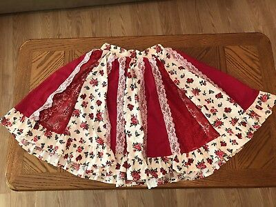 SQUARE DANCE SKIRT Floral Red Rose, Lace & Cream Background Ruffled Hem Vintage