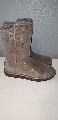 89fb573016d UGG ABREE SHORT II Slate SUEDE SHEARLING Side Zip BOOTS 1016589 ...