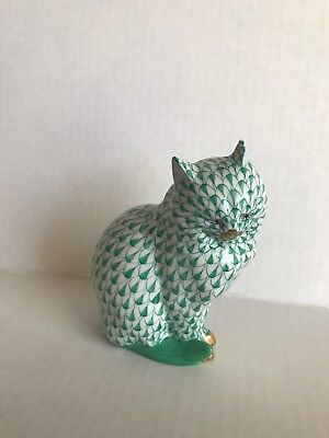 Herend Sitting Kitty Cat Green Fishnet Figurine 5383 4.75""
