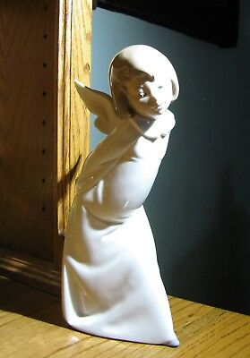 Lladro Curious Angel Lamplighter with Lantern Handmade 1977 #4960 Glazed Finish