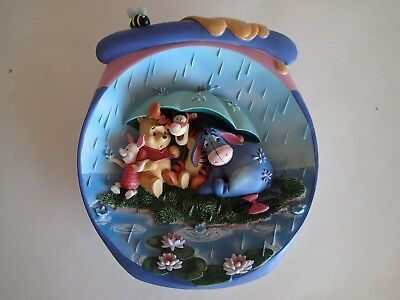 """WINNIE THE POOH """"ITS JUST A SMALL PIECE OF WEATHER"""" 3D Sculptural Plate #G3539"""
