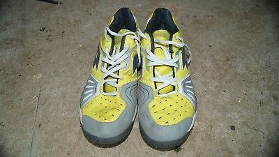 tennis shoes boys good condition