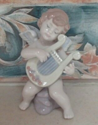 "Lladro #6628 ""Adagio"" sweet baby cherub/angel strumming his harp - MWOB,RV$270"