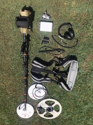 Minelab GPX 5000 metal detector with extras