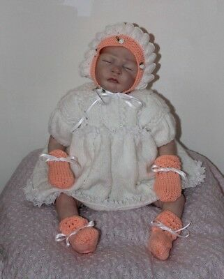 Baby Girl Outfit Hat/Bonnet Mittens Booties 0-3 months White/Peach reborn dol H7