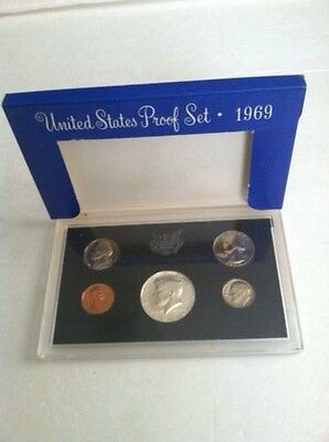 1969 UNITED STATES PROOF SET WITH 40% KENNEDY HALF DOLLAR Uncirculated