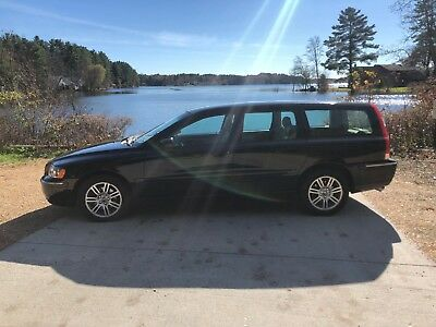 2006 Volvo V70  2006 Volvo V70 2.5t Wagon,  Excellent Shape! Cell/ text 508-523-2123